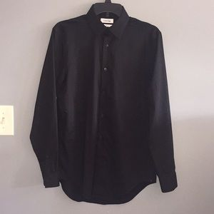 Mens Calvin Klein dress shirt. Very sharp!